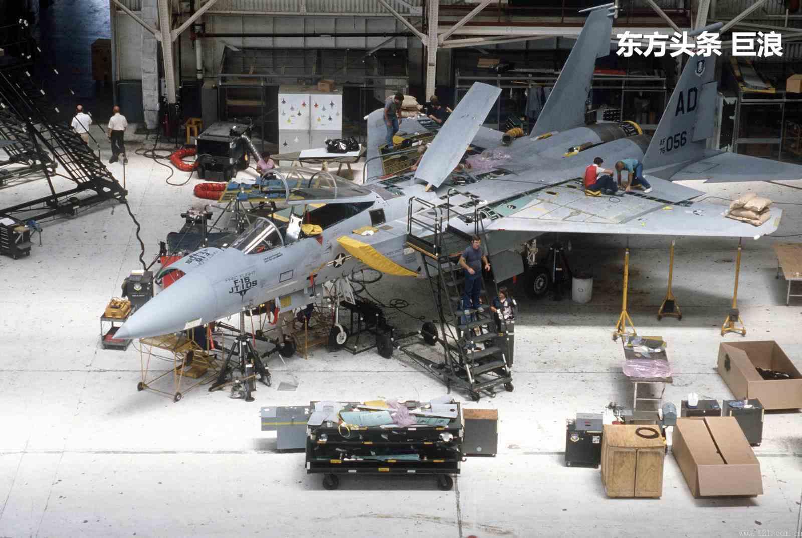 修理一架精密战斗机有多么复杂