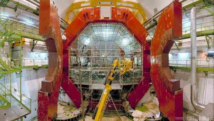"""中国为何一定要建""""超级对撞机""""?"""